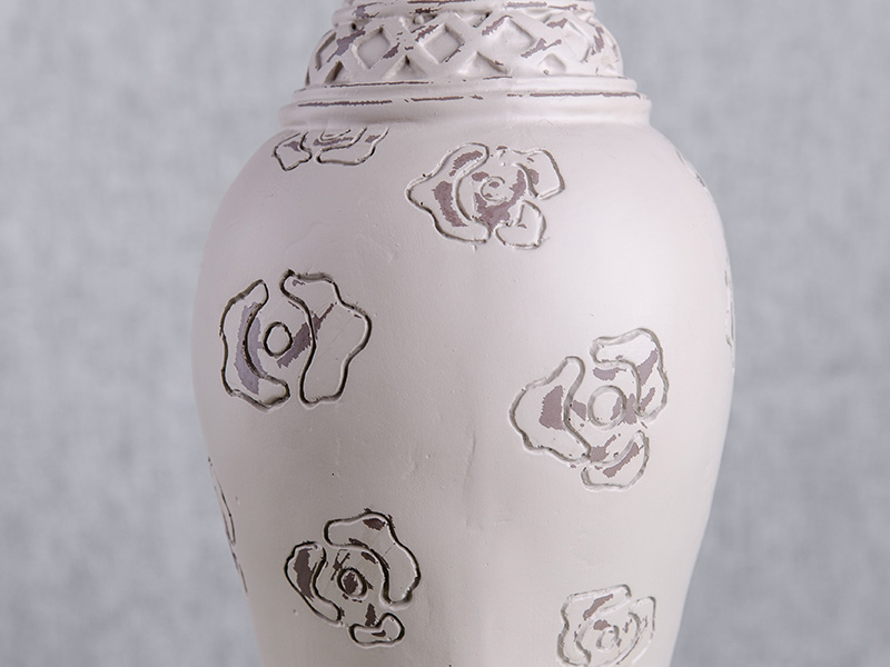 rose pattern finial