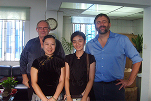 CEO de thomas kent clock visitó a xiamen d & f co., ltd.